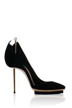 shoe design, crazy shoes, black shoe, fabul black, black heels, hot heels, killer heels, new shoes