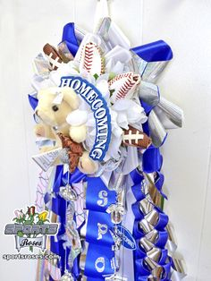 Add a sports theme to your homecoming mum or garter with Sports Roses.  Your mum will take the spotlight  at homecoming.  Only available online at  http://sportro.se/mums-garters
