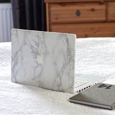 Learn how to make a marble cover for your computer in just a few minutes.