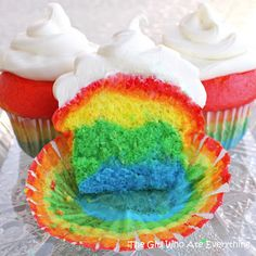 Rainbow cupcakes! sweets dessert treat recipe chocolate marshmallow party munchies yummy cute pretty unique creative food porn cookies cakes brownies I want in my belly ♥ ♥ ♥