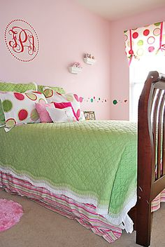 Faith's Place: A Tween Bedroom Makeover....
