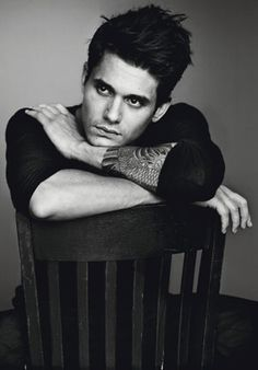 john mayer. i just really like this pic in terms of composition as well