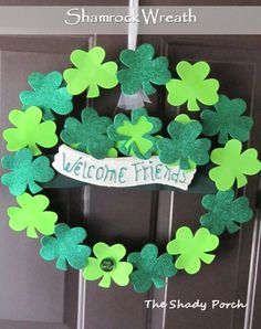 The Shady Porch: Shamrock Crafts for St. Patrick's Day #shamrock #stpatricks #decoration #wreath