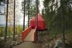 Treehotel: Recline in Pine