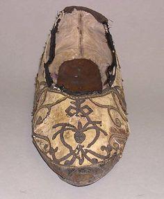 16th century shoe