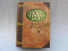 Hallmark Halloween Hocus Pocus Book Of Spells & Potions Candy Presenter Container 2011