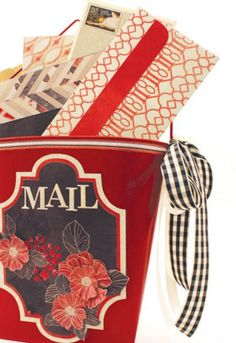 Hang up this DIY mail pail in your home to easily keep track of all your daily mail. | home decor