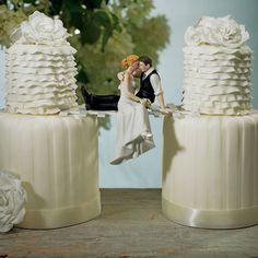 Unique cake topper! Or maybe it's a bridge;)