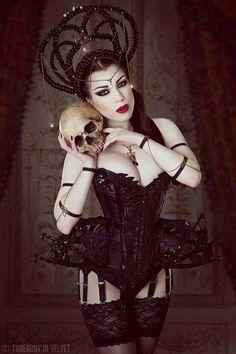 Morgana. Threnody in Velvet. Bibian Blue custom corset & Elegant Curiosities jewellery and headpiece