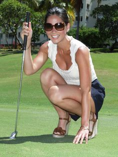 Cute golf gear? Yes. Really. Check out Olivia Munn at the Domino Celebrity Golf Tournament. Love her gams on the green!