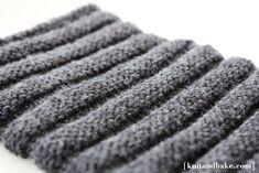 "[ knitandbake.com ] Easy, Chunky ""Striped"" Cowl knitting pattern <3"