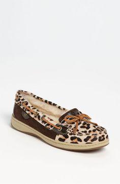leopard sperrys <3