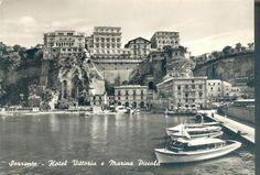 SORRENTO - HOTEL VITTORIA E MARINA PICCOLA, vintage postcard