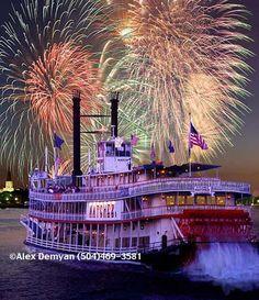 New Orleans Photos / natchez-riverboat