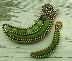 peas in a pod brooch...by woolly fabulous