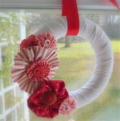 yo-yo wreath, kathyscottage.blogspot.com (2009 handmade holidays)