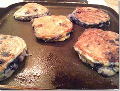 low-carb berry pancakes