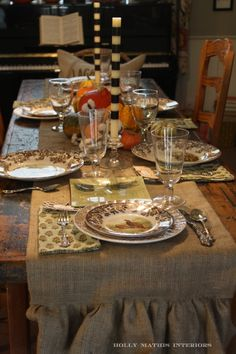 Holly Mathis -   Thanksgiving table