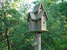 Birdhouse- love the sign!