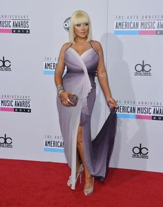 I love the look of Christina's dress! The colour is really cool.