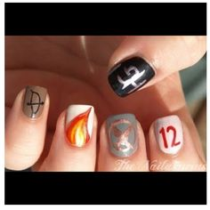 Awesome Hunger Games nails!