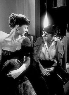 Audrey Hepburn meets designer Edith Head during her first photo shoot at Paramount peopl, icon, audrey hepburn, hollywood, movi, hepburn meet, fashion illustr, design edith, edith head
