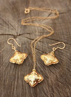 Stunning Gold Cloisonne Necklace Earrings Set Lucky $72