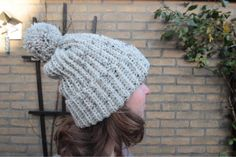 Mrs. Cuddles: Ribbed pompom beanie