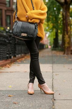 Rebecca Minkoff bag fashion, style, overs knit, knit sweaters, rebecca minkoff, minkoff bag, random pin, bag overs, bags