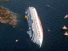 Costa Concordia cruise ship runs aground off coast of Italy - Photos - The Big Picture - Boston.com