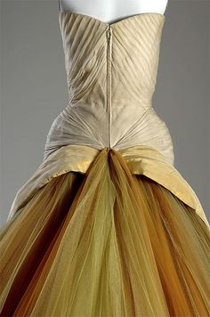 "Charles James ""Butterfly,"" detail    ICHi-63465    The Butterfly's enormous skirt is held in place at the rear with two structured side wings made from nylon mesh, plastic boning, and horsehair. #CharlesJames #fashion #history #couture"