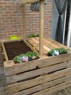 Pallet: Raised Garden Bed (planter) & Bench - http://dunway.info/pallets/index.html