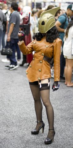 Rocketeer is one of my favorite characters and this cosplay version is awesome    Lady Rocketeer- SDCC 2012