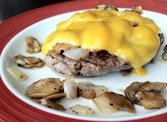 Cheddar burger with sauteed' mushrooms and onions... 1srv...net carbs...3.7grams... phase 1...