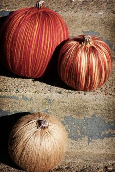 DIY Yarn Pumpkins As Awesome Fall Decorations | Shelterness