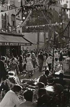 Willy Ronis, Bal du 14 juillet, rue du Petit-Pont, 1961