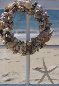 shell, seashel wreath, ocean views, beach cottages, cottage decorating