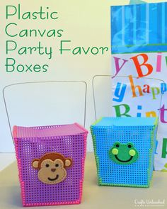 DIY Party Favor Boxes from Plastic Canvas - www.craftsunleashed.com