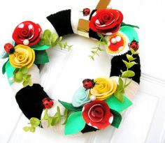 fun ladybug wreath for home decor during summer time