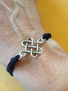 Celtic Knot Bracelet Celtic Knot Bracelets, Fabulous Jewelry, Celtic Jewellery, Bracelets Lov, Celtic Crushes, Celtic Knots Bracelets, Elastic Bracelets, Earrings Jewelry, Celtic Jewelry