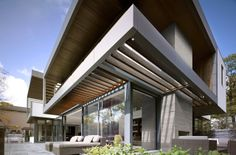 The Toronto Residence designed byBelzberg Architecturereceived the2013 Ontario Association of Architects Design Excellence award.