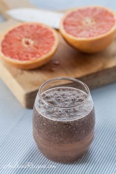 Fresh Grapefruit and Chia Drink (Chia Fresca con Toronja). Delicious and refreshing Mexican beverage.