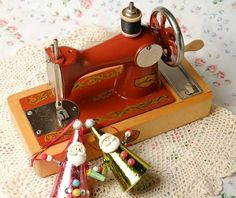 Cute and rare Russian Toy sewing machine by Timefavor on Etsy, $92.90