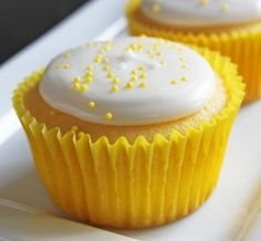 low-cal lemon cupcakes w/ only 3 ingredients!