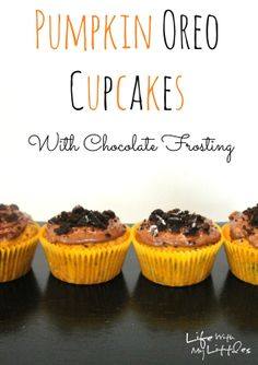 Pumpkin Oreo Cupcakes: Moist, pumpkiny cupcakes with Oreo crumbles and chocolate frosting. Perfect for any fall or Halloween party!