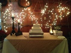 Antebellum wedding venue - Groom's cake table http://www.antebellumweddingsatoakisland.com