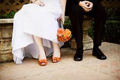 villa siena, orang bouquet, color, wedding ideas, idea wwwfacebookcomvillasiena, orange weddings, orang shoe, oranges, bridal shoes