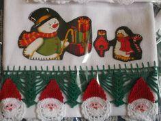 Barrado em croche verde, capricho e sofisticação. O Natal está chegando!! Faça um carinho pra você e sua casa, receba a família e os amigos com produtos graciosos, delicados e de bom gosto!! Seja mais um motivo dos comentários nas reuniões natalinas!!! Aplique em pano de prato em tecido 100% algodão.; as estampas podem variar de acordo com o material disponível para confecção. Uma graça para sua cozinha, um agrado para sua casa! R$ 25,00