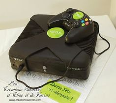Xbox cake by www.creationssucrees.com