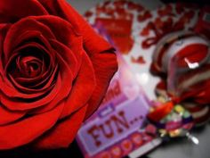 How to throw a fun Single's Awareness Day party (Valentines Day Ideas)
